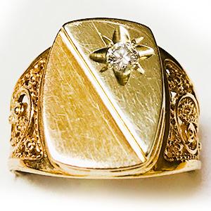 Мужская печатка с бриллиантом